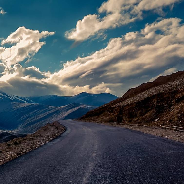 DAY 08: DEPARTURE FROM LEH – OVERNIGHT STAY AT KARGIL